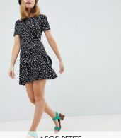 photo Ultimate Mini Tea Dress in Scatter Spot by ASOS DESIGN Petite, color Multi - Image 1
