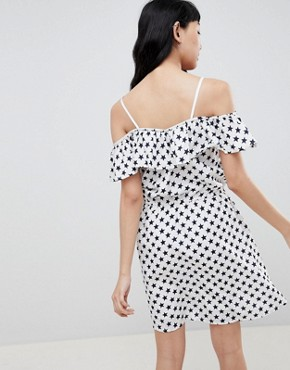 photo Bardot Dress in Star Print by Daisy Street, color White - Image 2