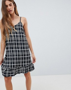 photo Cami Dress with Frill Hem in Check Print by Daisy Street, color Black - Image 1