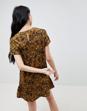 photo Shift Dress with Frill Hem in Leopard Print by Daisy Street, color Khaki - Image 2