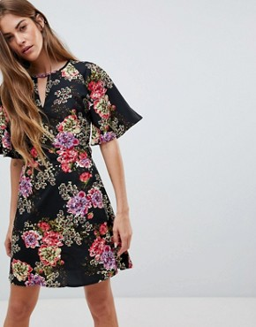 photo Floral Print Dress with Split Neck Detail by Daisy Street, color Black - Image 1