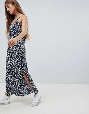photo Maxi Dress in Star Print by Daisy Street, color Black - Image 1