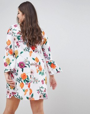 photo Botanical Shift Dress with Fluted Sleeves by ASOS DESIGN Curve, color Multi - Image 2