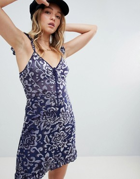 photo Sleeveless Dress in Paisley Burnout by Honey Punch, color Navy - Image 1