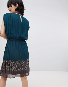 photo Verdo Tie Waist Dress by Deby Debo, color Blue And Print - Image 2