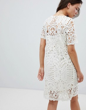 photo Guepe Crochet Lace Shift Dress by Deby Debo, color Off White - Image 2
