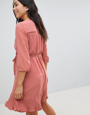 photo Ruffle Hem Occasion Dress by Mama.licious, color Pink - Image 2