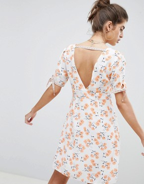 photo Floral Plunge Neck Tea Dress by Reclaimed Vintage Inspired, color White - Image 2