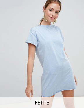 photo T-Shirt Dress by Missguided Petite, color Blue - Image 1