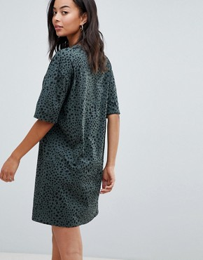 photo Ultimate t-shirt Dress in Leopard Print by ASOS DESIGN Tall, color Multi - Image 2
