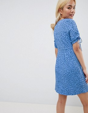 photo Floral Tea Dress by Vero Moda Petite, color Blue - Image 2