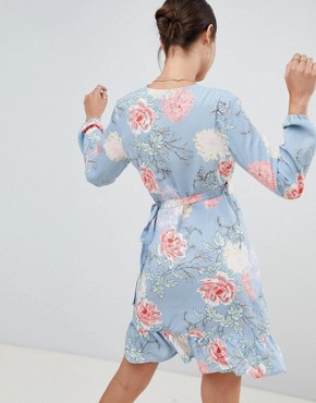 photo Floral Wrap Dress by PrettyLittleThing, color Blue - Image 2