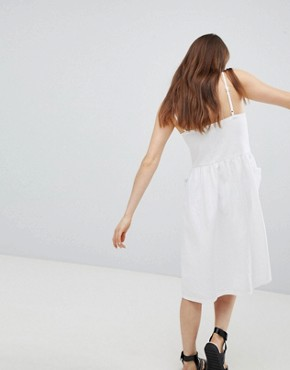 photo Pocket Front Midi Sun Dress by Monki, color White - Image 2