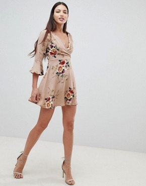 photo Frill Sleeve Floral Swing Dress by AX Paris, color Beige - Image 4