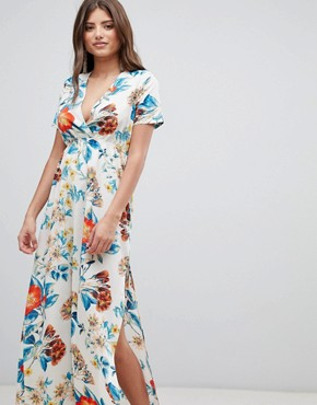 photo V-Neck Floral Maxi Dress by PrettyLittleThing, color White - Image 1