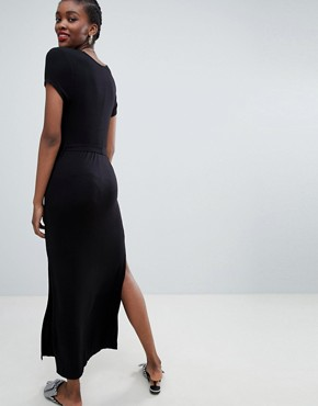 photo Plain V-Neck T-Shirt Maxi Dress by New Look, color Black - Image 2