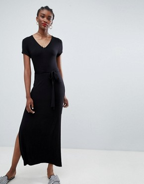 photo Plain V-Neck T-Shirt Maxi Dress by New Look, color Black - Image 1