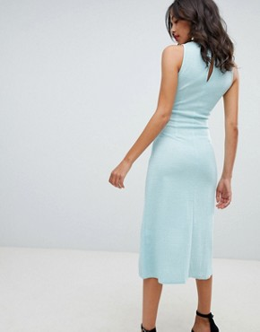 photo V-Neck Midi Dress by Closet London, color Green - Image 2