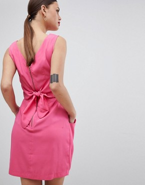 photo Pleated Sleeveless Dress by Closet London, color Pink - Image 2